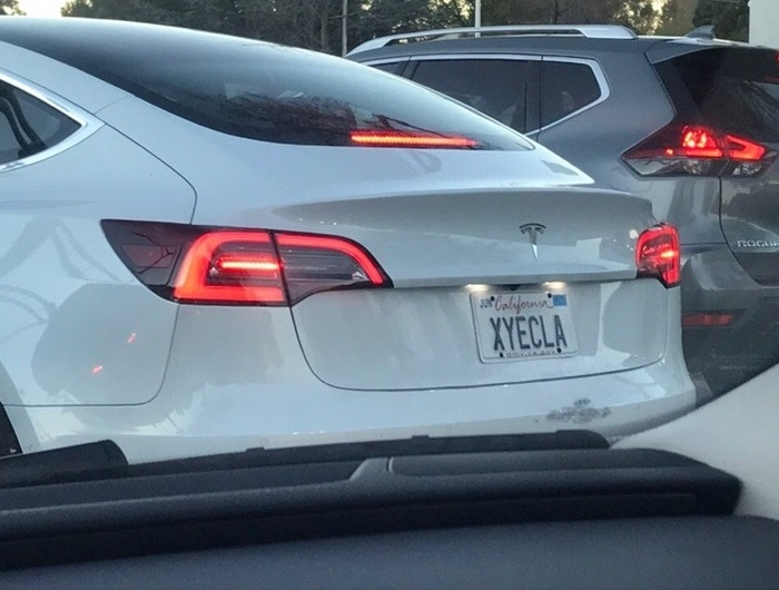 Тесла в Калифорнии