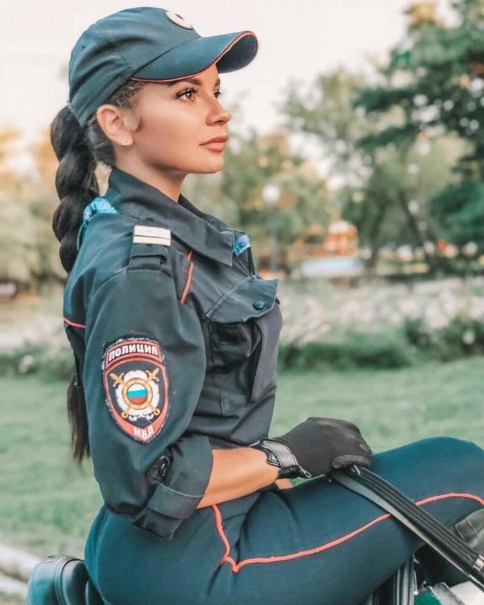 Конная полиция меня бережет Кони, Девушки, Длиннопост, Лошадь, Полиция, Конная полиция