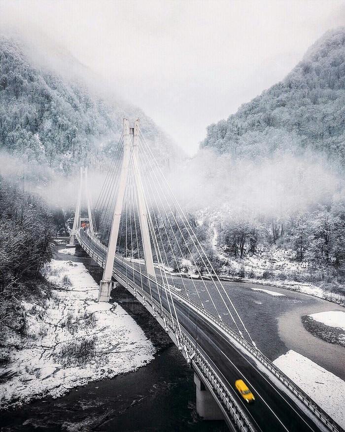 Вантовой мост по дороге в Адлер