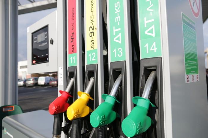 Предполагаемого со 2 января снижения цен на топливо не произошло. Беларусь, Цены на топливо, Новый Год, Пустые обещания, Чудес не бывает, Фейк