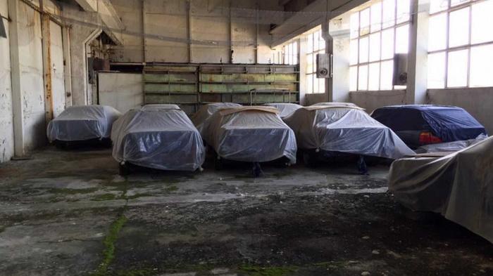 На складе обнаружили 11 совершенно новых BMW 5 серии (E34) 1994 года BMW, Шанс, BMW 5, Склад, Длиннопост, Авто