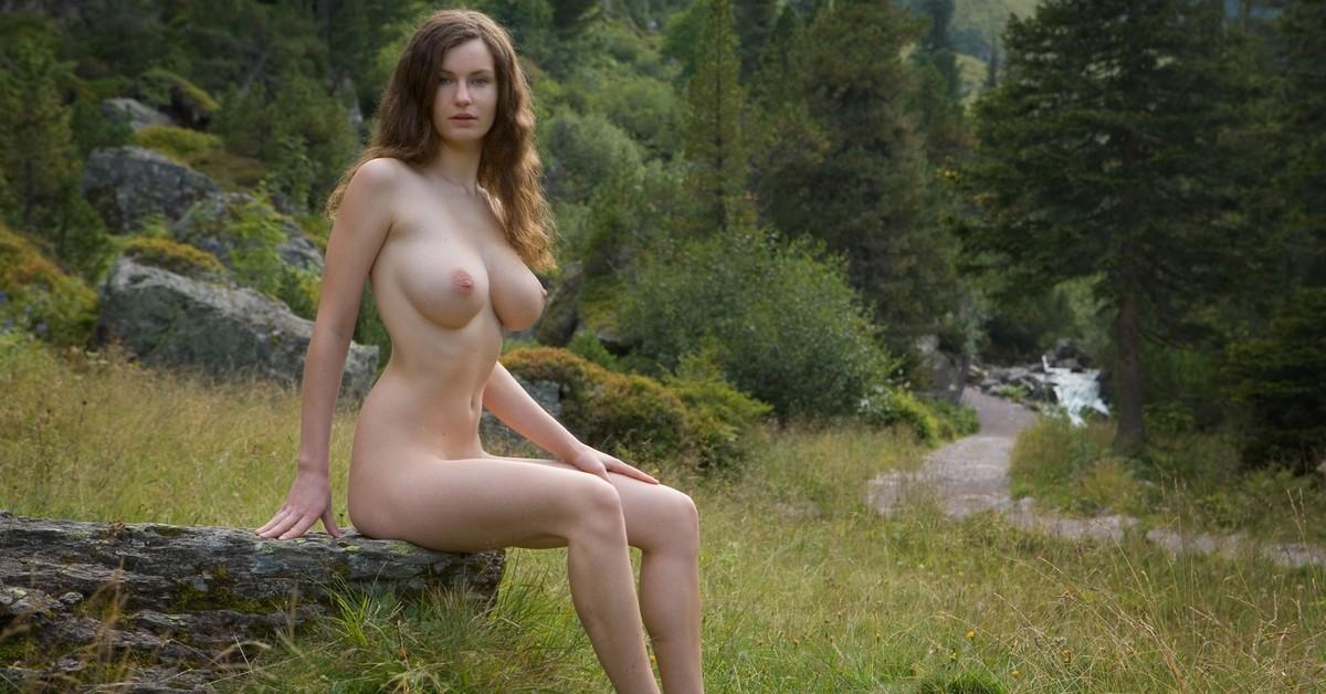Онлайн фото одиноких голых девушек