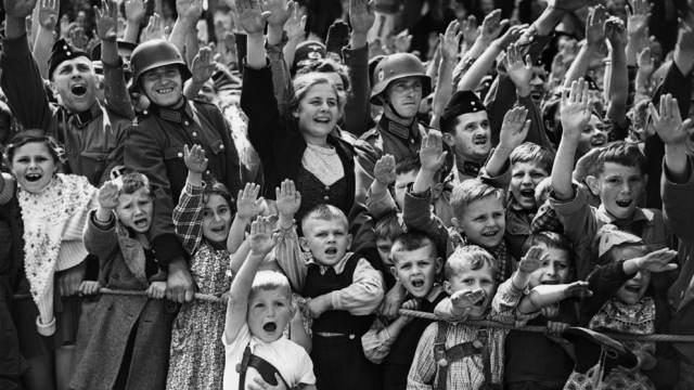 """Берлин хочет от Москвы """"репарации"""" Новости, Берлин, Политика, Длиннопост"""