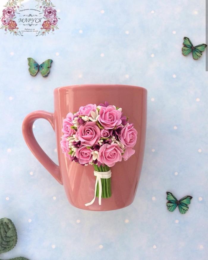 Кружка с букетом роз из полимерной глины. Полимерная глина, Декор на кружке, Кружка с декором, Кружка, Подарок, Длиннопост