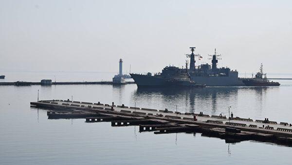 На Украине заявили, что корабли НАТО собираются зайти в Черное море НАТО, Украина, Текст, Политика