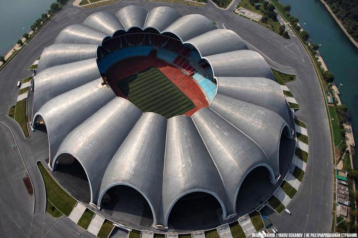 Никогда не догадаетесь, где находится самый большой в мире стадион Путешествия, Северная Корея, Стадион, Пхеньян, Длиннопост