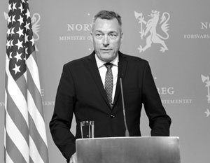 Министр обороны Норвегии высказался о возможной войне с Россией Франк Бакке-Йенсен, Истерия, Якобы, Шизофрения, Политика, Норвегия