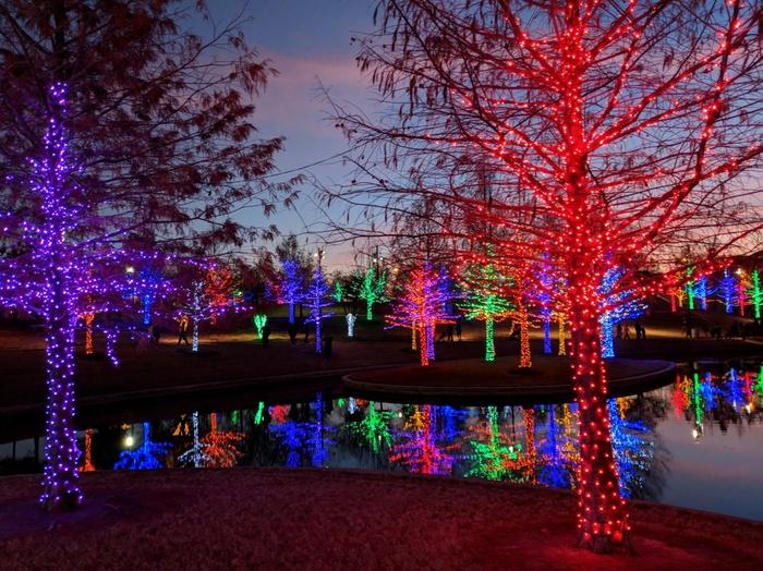 Открытие Америки - 29. Новогодняя иллюминация в США США, Открытие Америки, Новый Год, Рождество, Иллюминация, Ёлка, Длиннопост