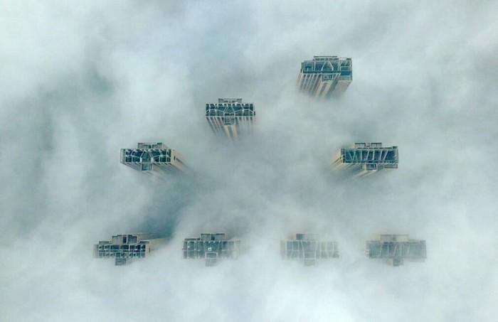 Небоскрёбы в тумане Небоскреб, Китай