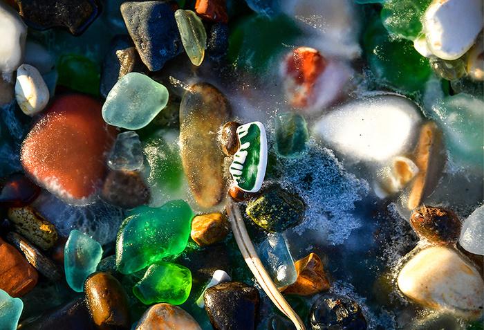 Как усыпанный осколками пляж Владивостока стал известным на весь мир Пляж, Владивосток, Свалка, Мусор, Фотография, Длиннопост, Стекло