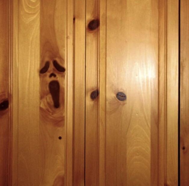 Когда в шкафу не только скелеты, но и привидения
