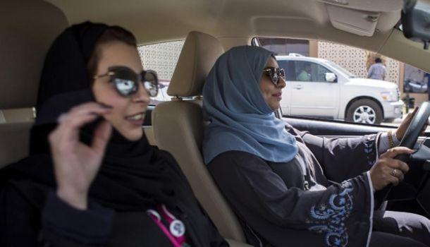 Саудовским женщинам разрешили самостоятельно выбирать способ родов Общество, Саудовская Аравия, Женщина, Беременность, Водительские права, Rusnext, Замужество, Банк