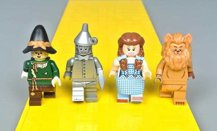 Мы в город Изумрудный идем дорогой трудной... LEGO, Волшебник страны оз, Волшебник Изумрудного города, Железный дровосек, Страшила, Элли, Длиннопост