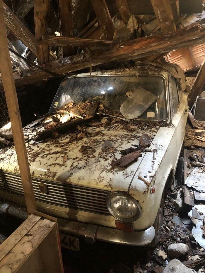 На продажу выставлен Fiat 124, простоявший под завалами разрушенного гаража 41 год Fiat 124, 1968, Находка, Длиннопост