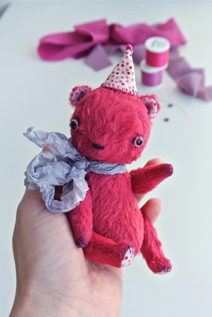 Малиновый мишка Длиннопост, Рукоделие с процессом, Авторская игрушка, Своими руками