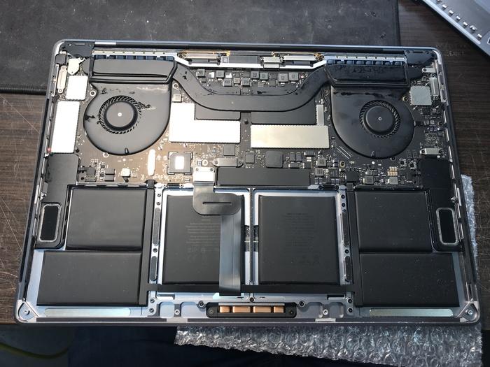 Свеженький Pro Retina 15 TouchBar Mid 2017 после кваса Москва, Ремонт техники, Ремонт ноутбуков, Macbook, Пайка, Длиннопост