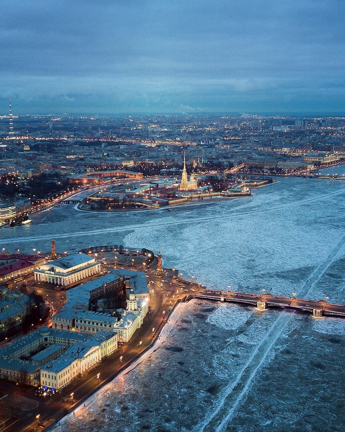 Питерские места (Петропавловская крепость с высоты птичьего полёта)