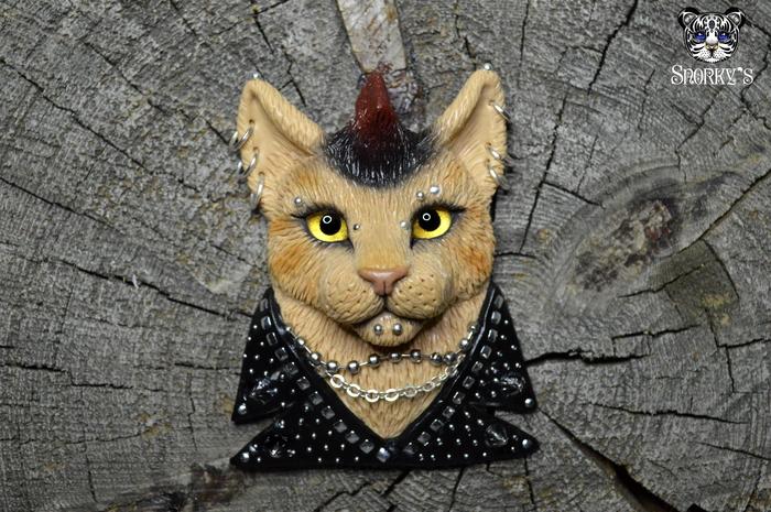 Рок-коты) Полимерная глина, Кот, Рок, Металл, Пирсинг, Косуха, Ручная работа, Длиннопост