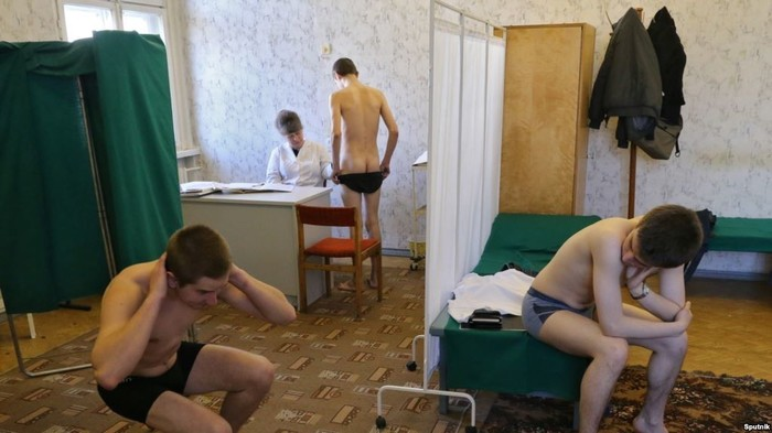 Двачер из Тольятти отказывается снимать трусы перед школьницами Призыв, Медкомиссия, Военкомат