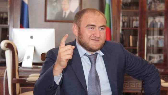 Оказалось, что задержанный сенатор Арашуков не владеет русским языком Сенатор, Арашуковы Рауль и Рауф, Русский язык, Негатив