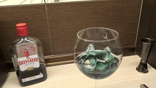 Рубрика без названия. Авиация и ее вариации/Цвет настроения синий Коктейль, Алкоголь, Бар, Алкогольный коктейль, Длиннопост, Гифка