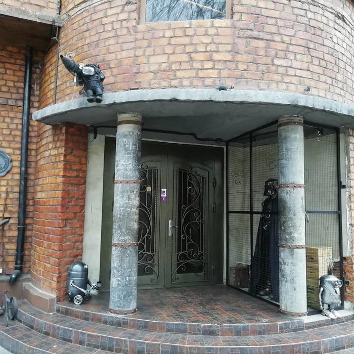 Охрана бара в Ташкенте Бар, Дарт Вейдер, R2d2, Ташкент, Длиннопост, Миньоны