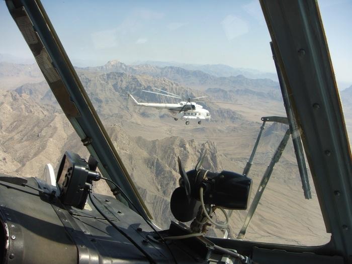 Мы ходим парой Вертолёт, Горы, Авиация, Афганистан, Фотография, От винтов!, Ми-8мтв, Без рейтинга