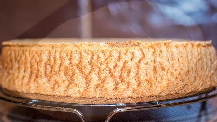 Шифоновый бисквит – простой рецепт Бисквит, Десерт, Рецепт, Видео рецепт, Кулинария, Еда, Irinacooking, Видео, Длиннопост