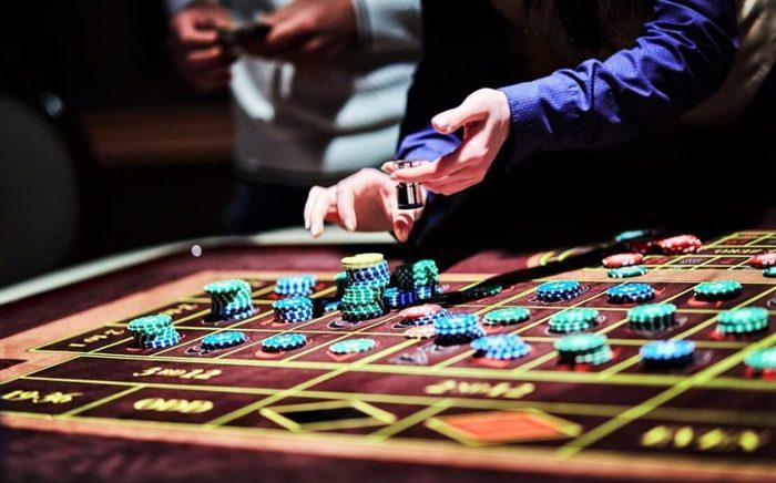 Игровые автоматы казино дискотека ресторан множество баров бывала нескольких вечеринках играть в карты сонник миллера