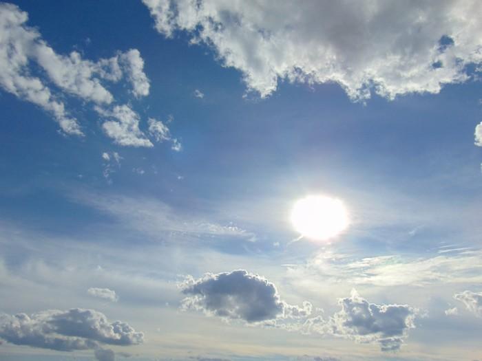 Небо летнее, небо жаркое..