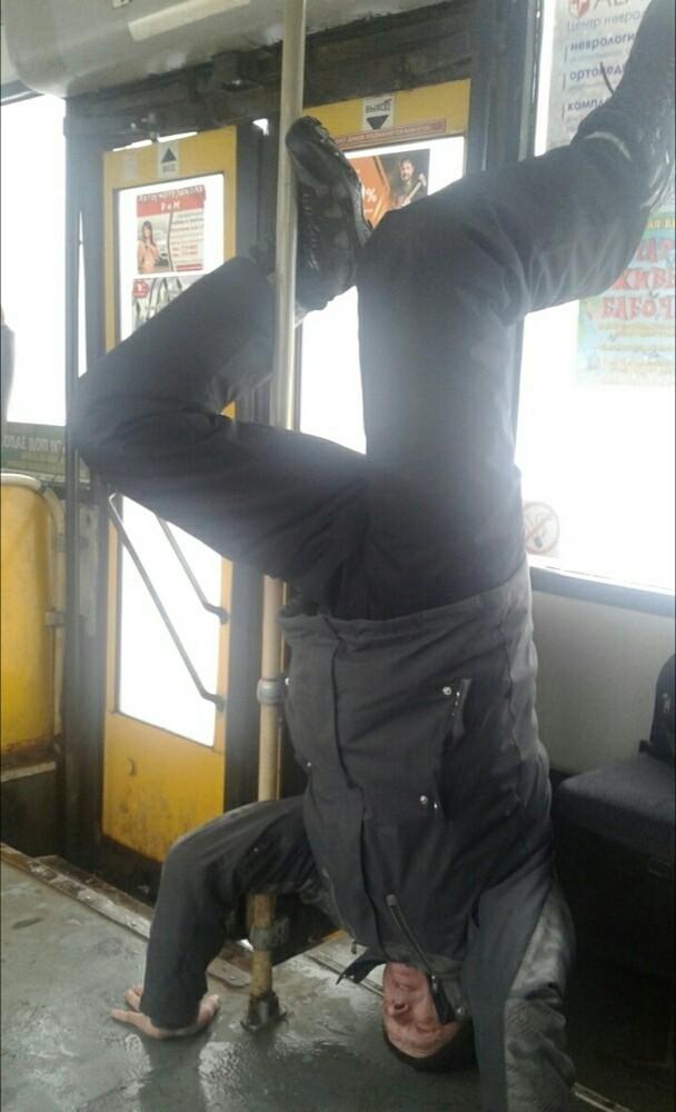 Утро. Ижевск. Автобус N28...