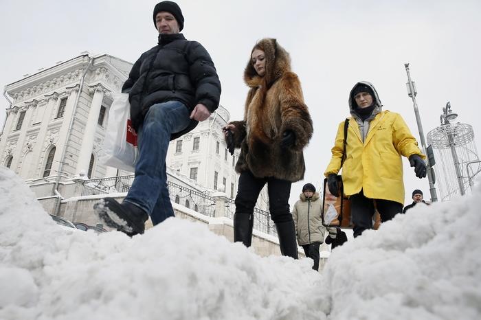 Петербуржец отсудил у дорожного предприятия 500 тыс. рублей за падение на тротуаре Суд, Моральный ущерб, Санкт-Петербург