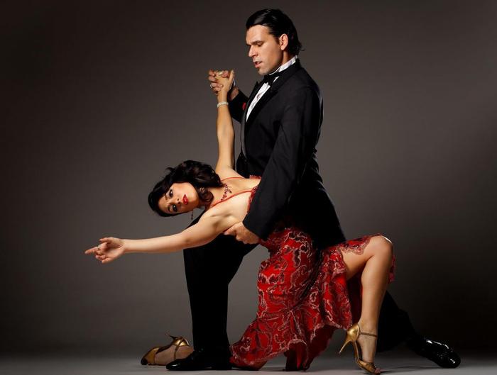 Питерское танго Танго, Знаки, Ассоциации