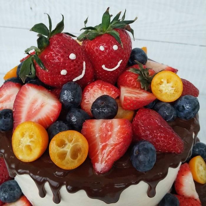 Использование свежей ягоды в сладких десертах Ягода, Кулинария, Украшение, Своими руками, Торт, Подарок, Десерт, Полезное, Длиннопост