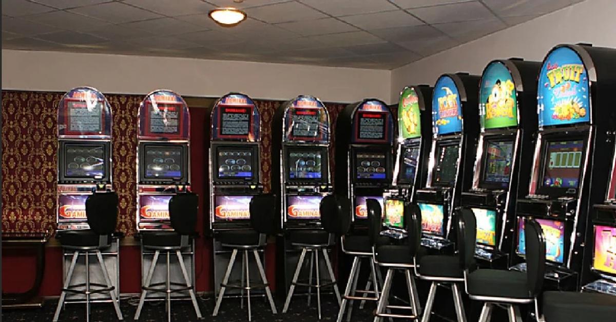 Игровые автоматы 2000 года играть игровые автоматы russian roulette фото