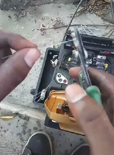 Соединение оптоволоконного провода