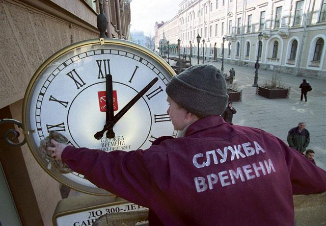Про эксперименты со временем Время, Перевод на летнее время, Часовые пояса, Депутаты, Негатив