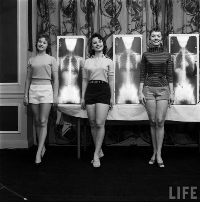 """Конкурс """"Мисс правильная осанка, 1956"""""""