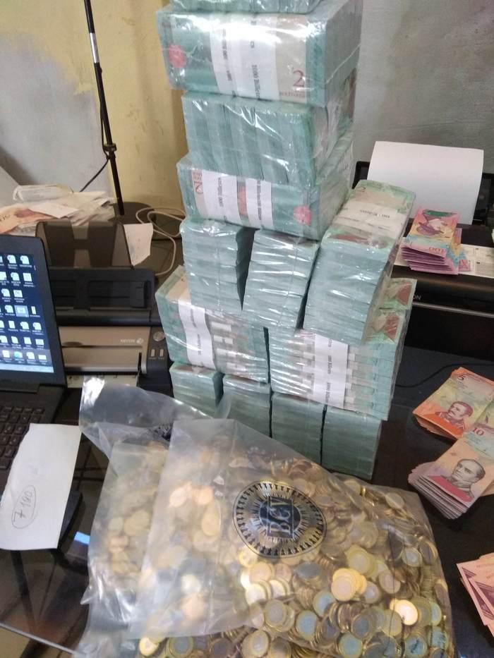10$ по-венесуэльски. Венесуэла, Венесуэльский кризис
