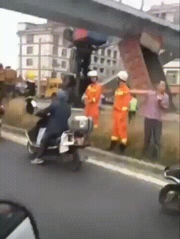 Вы не проходите!