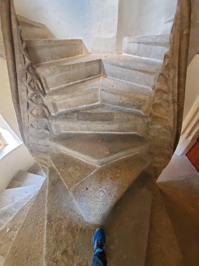 Это двойная винтовая лестница