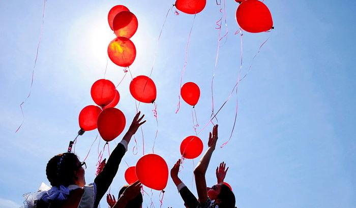 Радоваться запрещено. Почему белорусам нельзя запускать гелиевые шарики? Agronews, Правила, Беларусь, Закон, Смех, Радость, Новости, Выпускной