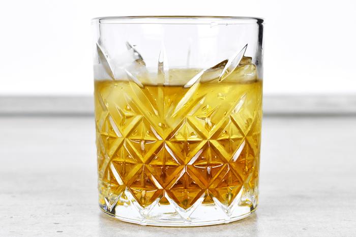 "Шорт-коктейль ""Французский связной"" Алкоголь, Коктейль, Коктейль шорт, Бар, Рецепт, Длиннопост, Бренди, Амаретто"