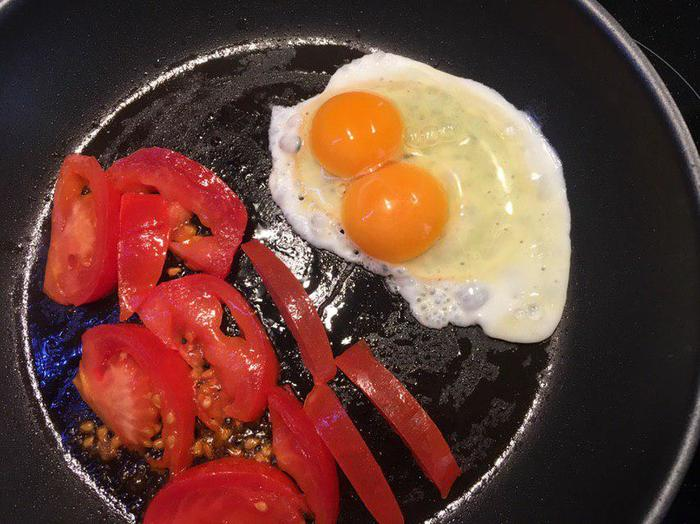 Удача? Завтрак, Удача, Везение, Яйца, Помидор, Сковорода