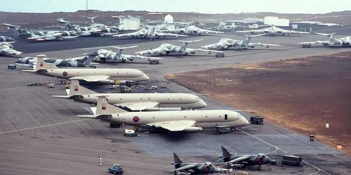 «Вулканы» над Фолклендами Длиннопост, История, Война, Аргентина, Великобритания, Англия, Самолет, Фолкленды
