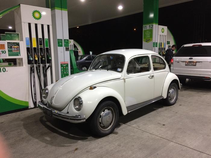 """Жук"" прилетел поужинать на заправку - Volkswagen Kafer Volkswagen Kafer, Volkswagen"