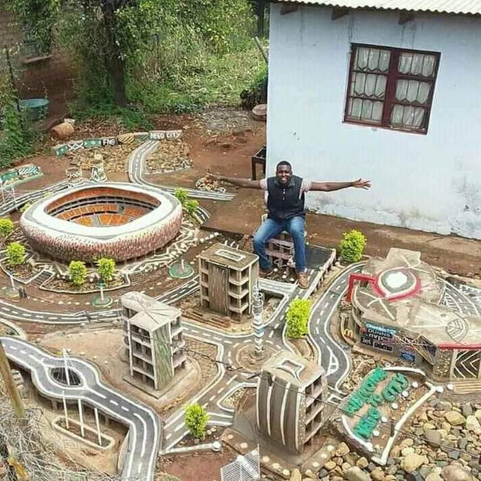 Этот африканец приложил огромные усилия, чтобы сделать этот образцовый город