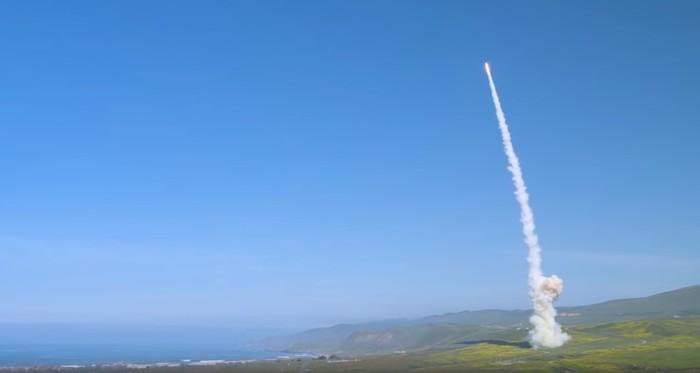 Разработчик показал запуск американских заатмосферных перехватчиков МБР Raytheon, Мбр, Новости, Видео, США, Противоракетная оборона