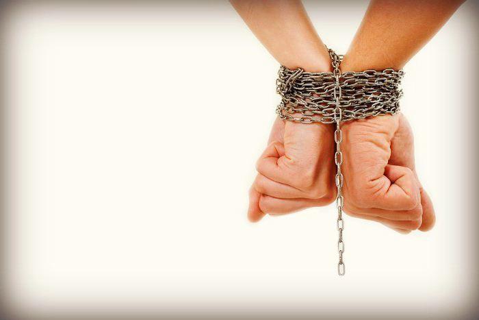 10 признаков нездоровых зависимых отношений в сравнении с нормальными и здоровыми Созависимость, Зависимость, Отношения, Семейная жизнь, Психологическая травма, Травма, Длиннопост