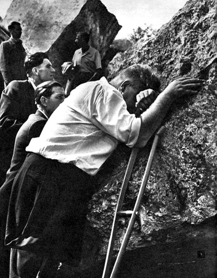 На руинах Брестской крепости через 20 лет. Брест, 1961 год.